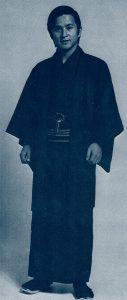 ファッション・トリビア蘊蓄学:デカ(刑事)の語源は和服から生まれた